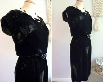 Black velvet short sleeves dress