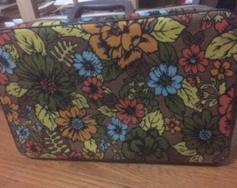 AWESOME C1970 Vintage Floral Soft Sided Small Suitcase Bantam Travelware