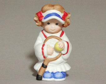 LET'S PRETEND girl tennis player 1983 porcelain figurine Wallace Berrie 8570 collectibles interior decor decoration retro vintage 80s 1980s
