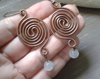 Copper earrings, spiral earrings, copper and Polaris pearls, antique copper, rustic earrings, gift for you, anniversary gift