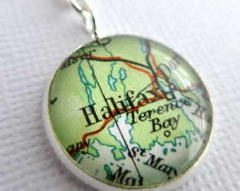Customized Map Pendant, Personalized Christmas Gift, Necklace, Small Pendant, Round, Silver Plated