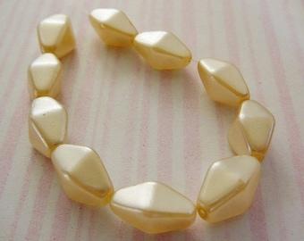 Vintage .. Beads, Cream Faux Glass Pearl 13 x 7 Diamond Shaped Bead Bridal jewelry supplies
