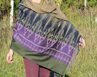 Charm Handwoven Shawl, Handwoven Wrap, Handwoven Scarf, Shawl, Scarf, Wrap, Weaving, Ikat pattern fabric