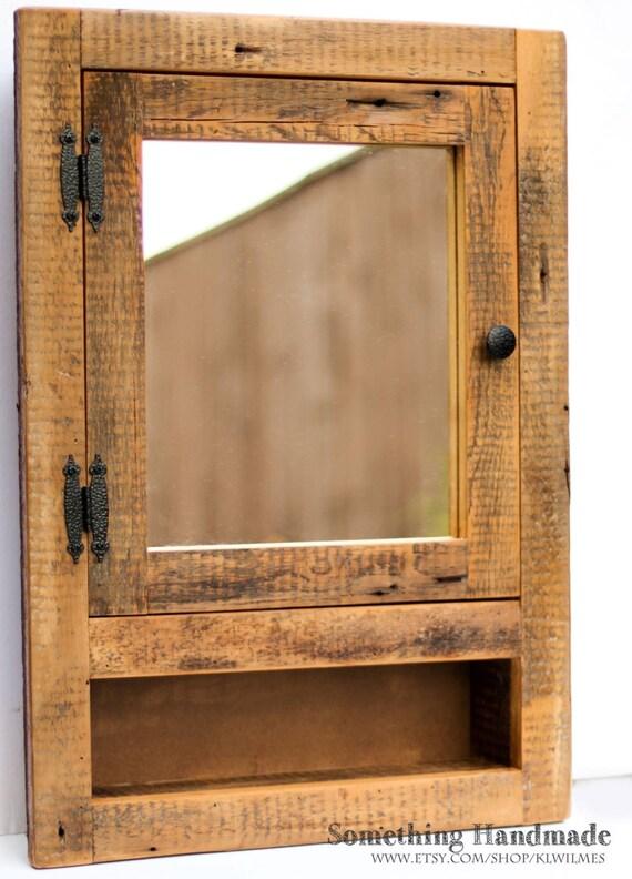 Einbau Scheune Holz Medizinschrank mit offenen Regal aus den