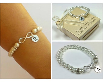 Sterling silver Infinity personalized bracelet. Pearl bridesmaids bracelet. Friendship bracelet, gift for her