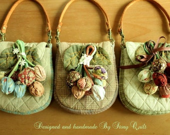 DIY digital PDF Pattern tutorial of tulips Japanese patchwork quilted pouch / wristlet handmade purse sewing pattern