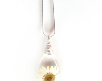 White Daisy Resin Teardop Necklace - Real Flower Encased in Resin - Pressed Flower Jewelry - Resin Necklace -  Wire Wrapped Pendant