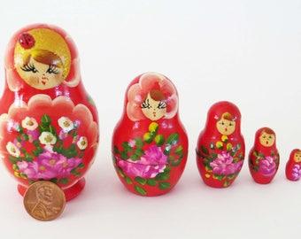 "Russian 5 Piece MATROYSHKA Doll w 3D Ladybug - Hand-Painted Nesting Dolls  / 4"" - 1"" Tall Christmas Folk Dolls / Christmas Folk Decorations"