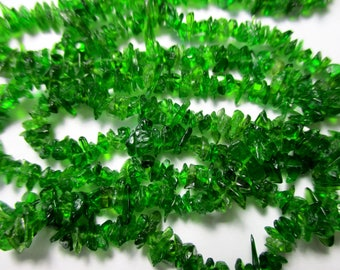 Chrome Diopside Chip- 3-4mm- 10 inch