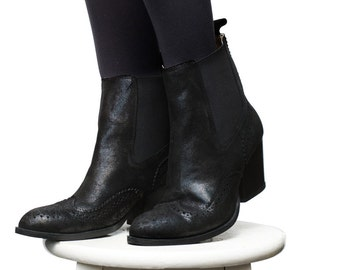 Boots - Women's Shoes - Booties & Ankle Boots - Ankle boots - Chelsea boots - Black Boots - Black Chelsea Boots - Leather Boots