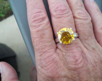 Bright Yellow Gemstone Ring size 7, 12mm round in Sterling Silver