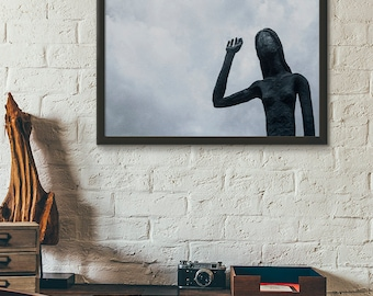 Home Decor Modern Print Statue Woman with Hand Raised