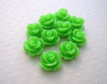 Set of 10 resin flowers 10 mm Green