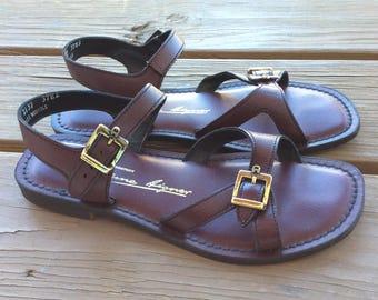 Vintage Etienne Aigner sandals size 8 EUC flat vintage oxblood burgundy
