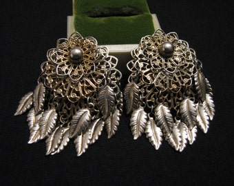 BIG Vintage Gold Tone Floral Filigree Charmed Leaf Feather Clip Earrings