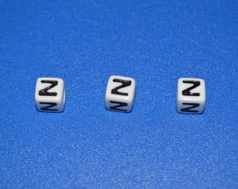 13 beads letter 'Z' 7 mm acrylic cube