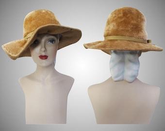Vintage 1950s Hat | Tan Hat | Stylish 1950s Hat | Femme Fatale | High Style | Designer Hat | 1950s Hat | 50s Hat |