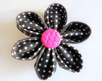 Fleur Kanzashi brooch with black fabric with white dots / / mother gift idea