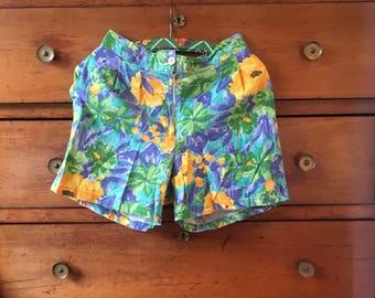 Vintage 80's flower shorts size M