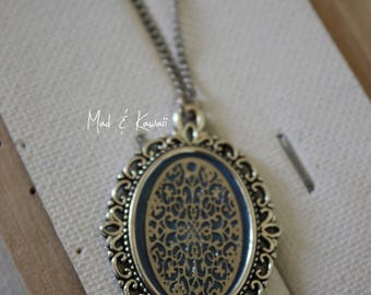 Lace cameo necklace