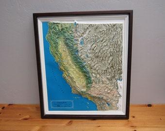 Vintage Kistler Plastic Relief California Map in Wood Frame (E9842)