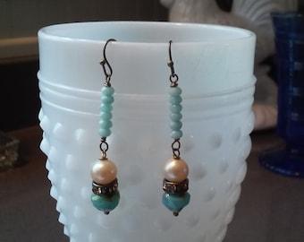 Vintage Czech Glass Drop Earrings/Vintage Glass Pearls
