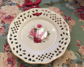 Decorative roses plate
