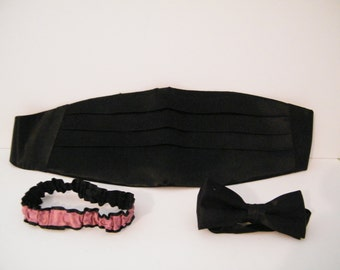 ON SALE Cummerbund BowTie and Garter Set, Vintage Groom Wedding Set in Pink and Black  vintage wedding clothing accessories