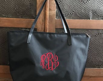 Monogram Bag  - Wedding Day Bridesmaid Totes - Weekend Bag -  Personalized Gifts - Travel Accessories