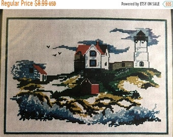 SUMMERSALE S.P. Ink, Nubble Light, York, Maine, Lighthouse Pattern, Vintage, Counted, Cross Stitch Pattern, Stitch Count, 176 by 123