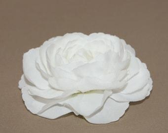 Large Soft White Ranunculus