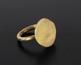 18k gold circle ring. Golden sun / disc ring. Hand crafted.