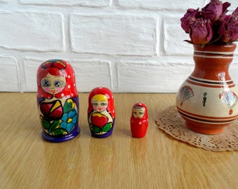 Vintage Russian Dolls Set of 3 Wooden Russian Nesting Doll Set Matryoshka Nesting Dolls Wooden Stacking Dolls Set Hand Painted Russian style