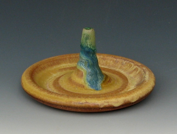 STONEWARE RING HOLDER