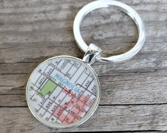 SALE! 25 and under SALE! Magnolia Seattle vintage map keychain   geography gift   key ring