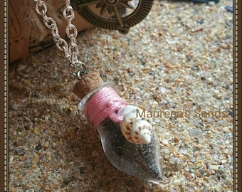 "Necklace sand - Model ""Drop"" with colored thread and shell"