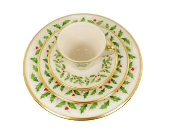 Vintage Lenox Holiday China / Holly Berry Pattern / Christmas Dinnerware  sc 1 st  Etsy & Christmas dinnerware | Etsy
