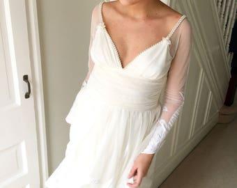 Amazing Vintage Wedding Dress 1970s Frank Usher Boho Bride Tulle Lace Pearls Art Nouveau