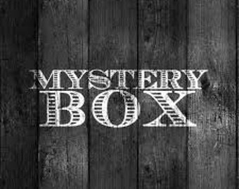 Mystery box - random witchy things