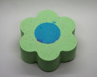 Flower Power Bath Bomb in Green
