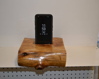 hand made cellphone docking station