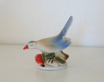 Vintage ceramic bird figurine / 1940s pottery mockingbird / blue songbird / bird nature home decor / bird lover gift