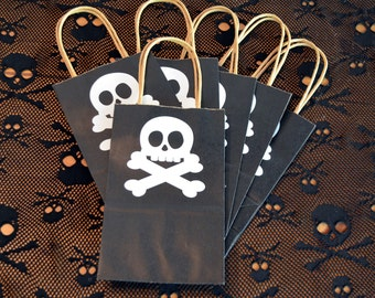Pirate Goody Bags / Treat Bags / Gift Bags / Skull and Crossbones Customizable Treat Bags / Pirate Party Decorations