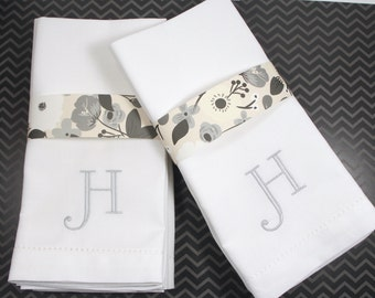 Select Monogrammed Embroidered Cloth Napkins / Set of 4 / Dinner napkins, Cotton linens, hostess gift, wedding, personalized, formal napkins