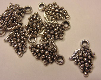 8 Tibetan silver grape charms, 12 x 18 mm (6)