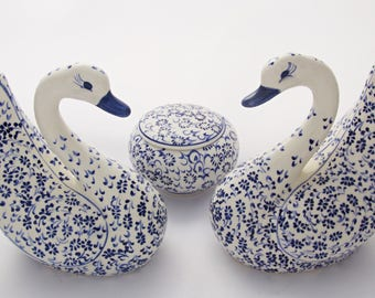 Figurine Handmade Turkish Ottoman Ceramic Statue Gorgeous Swans (2x) and Multipurpose Box