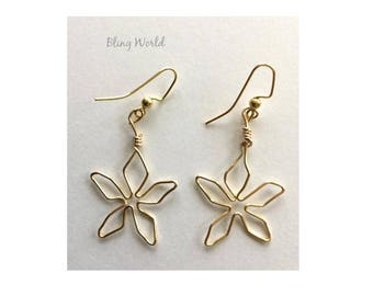 Golden Wire Earrings, Wire Earrings, Gift for her, Jewelry, Handmade, Free Shipping, Handcrafted, Casual Earrings, Leaves, Gift under 25