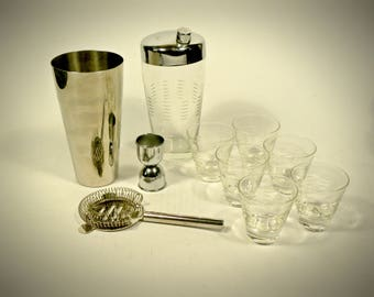 10 Piece Vintage Chrome Bar Bartender Set