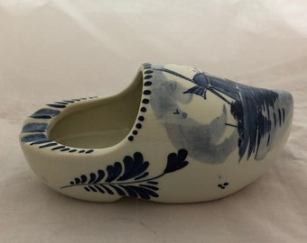 Delft Hand Painted Shoe Clog Ashtray Classic Windmill Pattern