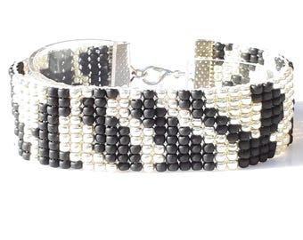 Zebra Animal Print Bead loom bracelet Peyote bracelet Loom bracelet Woven Japanese Toho Hippie chic Bohemian Bracelet Seed Beads